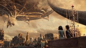Dystopisk stadsmiljö  i filmen Alita: Battle Angel.