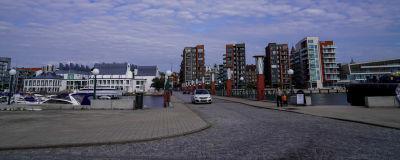 Stadsbild, Helsingborg. Några höghus och båtar i förgrunden.