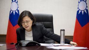 Taiwans president Tsai Ing-wen i telefonsamtal med Donald Trump.