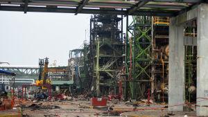 Explosionen vid en av oljebolaget Petroleos Mexicanos (Pemex,) anläggningar krävde många dödsoffer och orsakade stor skada.