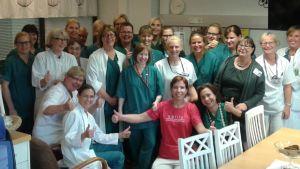 Personalen på Lojo BB gläds åt att ha beviljats status som babyfriendly sjukhus.