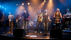 Gruppen Small Axe på scen i Tammerfors
