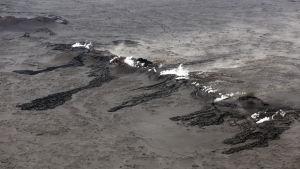 Spricka i lavafältet Holuhraun norr om Vatnajökull.