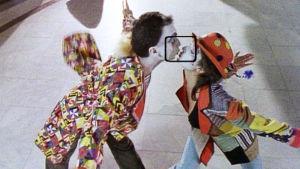 Video Killed the Radio Star, ohjelmasarja musiikkivideoista. Kuva Elton Johnin musiikkivideosta I'm Still Standing..