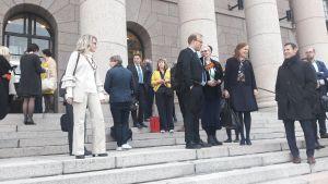 Riksdagsledamöter utanför riksdagen.