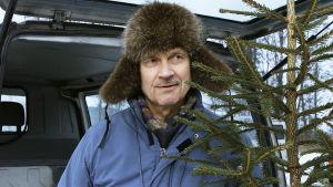 Pekka Autiovuori on pääosissa tv-elokuvassa Joulukuusivarkaat.