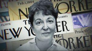 Pauline Kael lähikuvassa, taustalla New Yorker -lehden sivuja. Kuva dokumenttielokuvasta.