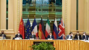 EU-delegation i Wien diskuterar Irans kärnenergiavtal i ett försök att få med USA