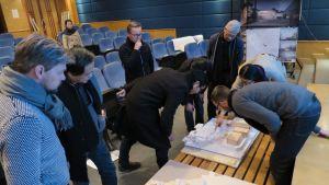 Aalto-yliopiston rakennustekniikan kurssin opettajia Pekingissä