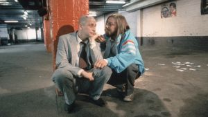 Kari Väänänen ja Matti Pellonpää Kaurismäen elokuvassa Cha cha cha (1989).