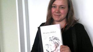 Anna Biström har skrivit en doktorsavhandling om Eva Dahlgren.