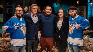 Riku Rantala, Teemu Tammikko, Anter Yasa, Päivi Nerg ja Tunna Milonoff leffaklitsussa lähetyksen jälkeen.
