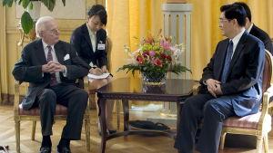 Peter Wallenberg träffade Kinas president Hu Jintao  den 10 juni 2007 på Haga slott.