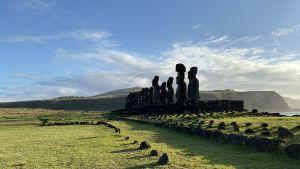 Statyer på Påskön