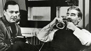 Leo Jokela ja Joel Rinne elokuvassa Vodkaa, komisario Palmu (1969).