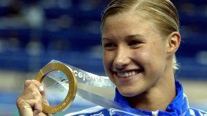 Hanna-Maria Seppälä med VM-guldet 2003.