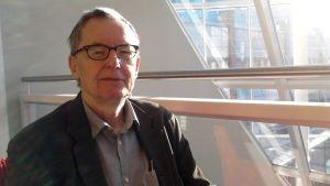 Anders Olsson, ledamot av Svenska Akademien