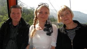 Satu kertoo SuomiLOVEssa tarinansa, jossa vanhemmat pelastivat hänet.