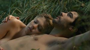 Tahar Rahim och Léa Seydoux i filmen Grand Central.