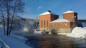 Vattenkraftverket vid �kerfors.