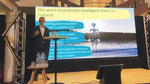 Ylen tuotantojohtaja Janne Yli-Äyhö Media Honeypot 2019 -tapahtumassa