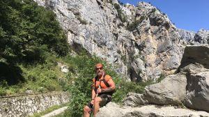 Borgåbon Björn Roos på tavgång i berg i Europa