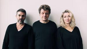 Vasemmalta oikealle: näytelmäkirjailija ja ohjaaja Pascal Rambert, Timo Torikka ja Katariina Kaitue.
