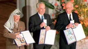 Jasser Arafat, Shimon Perez ja Jitzhak Rabin saivat Nobelin rauhanpalkinnon vuonna 1994.