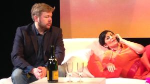 Juha Hostikka och Angelika Klas i Gian Carlo Menottis opera The telephone.