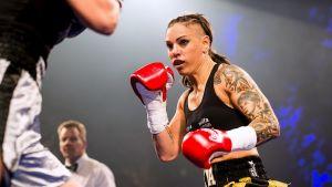 Eva Wahlström boxas mot Irma Balijagic Adler.