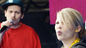 Superjanne ja Katri Ylander YleX popin lavalla 2008