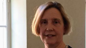 Ekonomihistorikern Susanna Fellman i närbild.