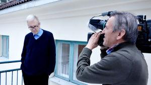 Peter von Bagh ja kuvaaja Arto Kaivanto