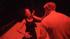 Foto från Äidin rakkaus på Nationalteatern.