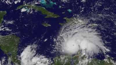 Orkanen nicole pa vag mot bermuda