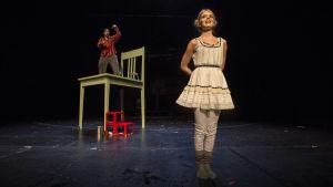 Foto från Töppöhörö på Nationalteatern.
