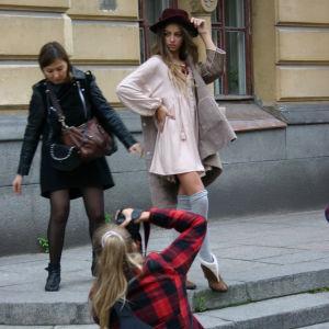 Muotikuvaus Pietarin kadulla