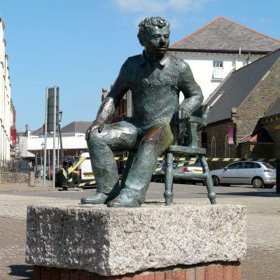 Dylan Thomas staty i Swansea