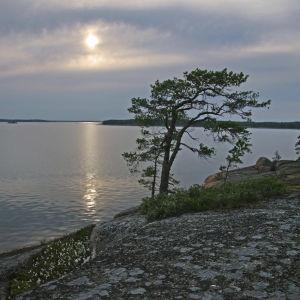 Auringonlasku Kotkan Haapasaaressa.