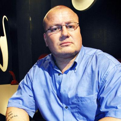 Tony Halme ohjelmassa Persona Non Grata vuonna 2003