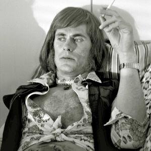 Murhattu Rauski (Tommi Korpela) oli toinen puolikas 70-luvun suosituimmasta tv-etsiväparista.