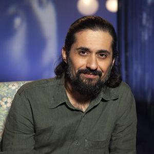 Elokuvaohjaaja Hamy Ramezan.