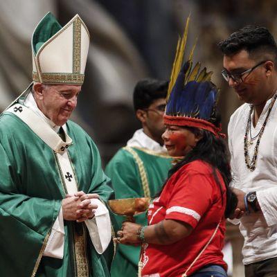 Påven mötte katoliker från Amazonas under mässor i samband med biskopssynoden i Amazonas i oktober 2019.