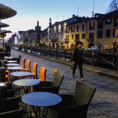 Milanon Naviglin alueella on iltaisin hiljaista.