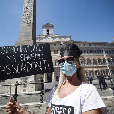 Koronaprotesti Italiassa