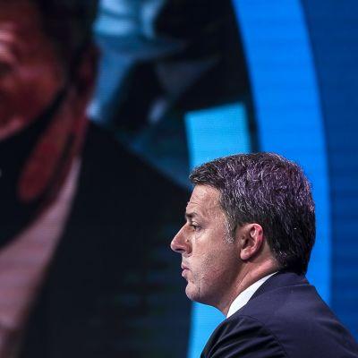 Matteo Renzi joulukuisessa tv-ohjelmassa.