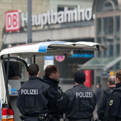 Järnvägsstationer i München utrymda pga terrorhot.