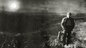 Auringonnousu, ohjaus Friedrich Wilhelm Murnau.