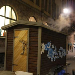 Konstbastun omsveps av Löylyn Henki - Bastuns Ande under kulturnatten i Stockholm. Mer foton från konstbastun se instagram: artsauna