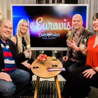 De Eurovisa Johan, Clarissa, Niklas och Eva.